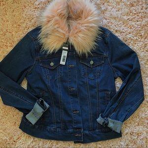 Jean jacket w/ pink fur collar